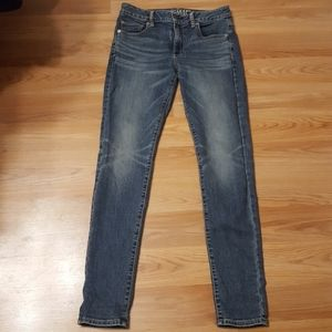NWOT American eagle hi-rise skinny super stretch